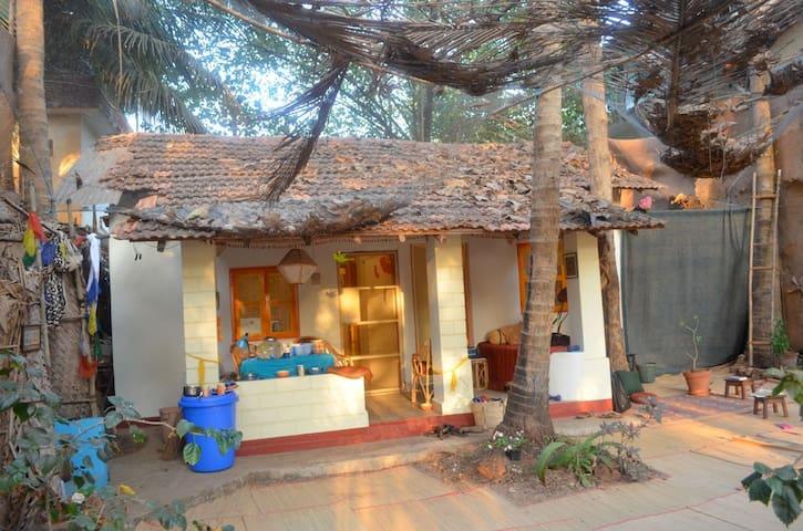 Garden Beach front House - Arambol - Dom