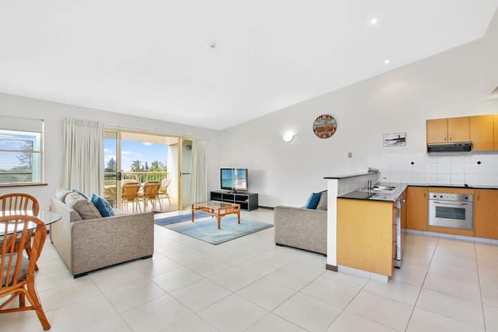 Spacious 3BR Seaview Apartment
