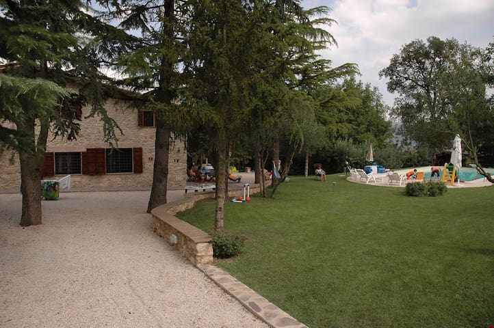 Enchanting Experience in Umbria - Massa Martana - Hus