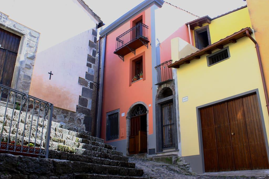 il posizionamento e la forma della stessa nel centro storico