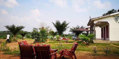 Bangui, Bimbo: Maison au bord du fleuve MPOKO