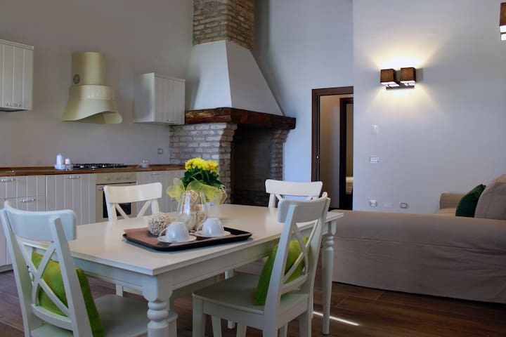 Appartamento con cucina, a contatto con la natura - Isola Dell'abbà - Daire
