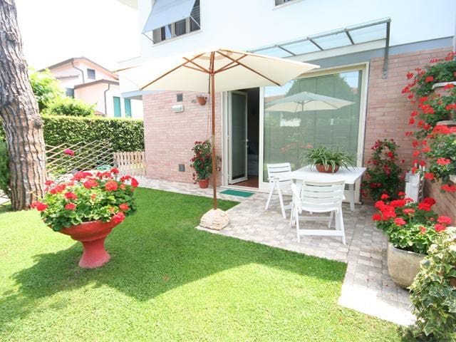 Grazioso appartamento con giardino - Pietrasanta - Lakás