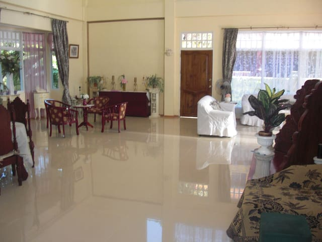 Room for overnight stay in Oslob - Oslob - Bed & Breakfast