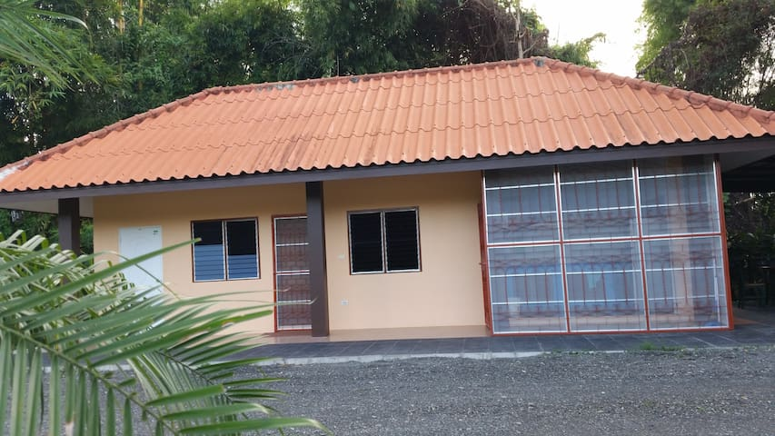 Country Home-Stay 20 min from City - Tambon San Pa Pao - House