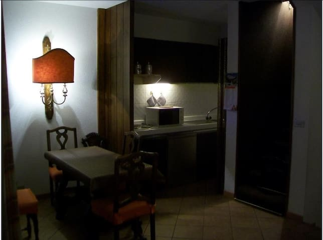 APT 3 ROOMS 6 PERSONS IN THE HEART OF AOSTA VALLEY