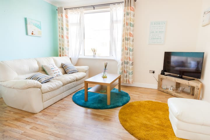 Family Apartment nr Mawgan Porth - sleeps 4 - Trevarrian - Wohnung