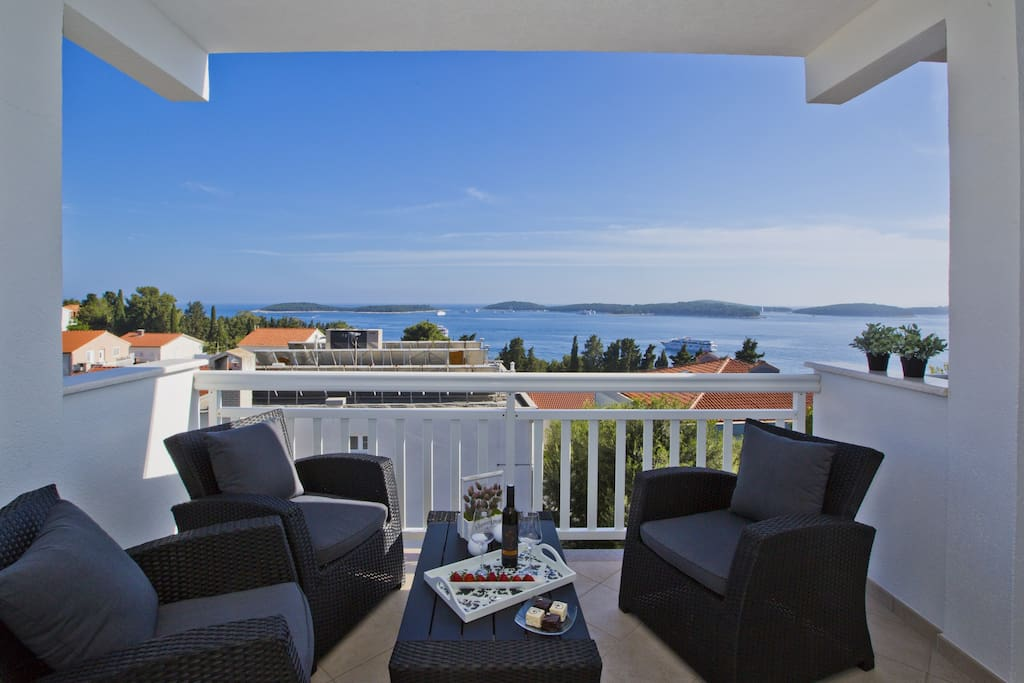 terrace overlooking the sea and nearby Pakleni islands