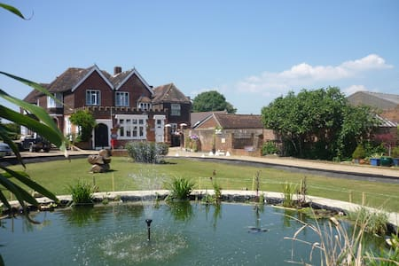 Apartment 20 - Raleigh - Faygate, Nr Horsham