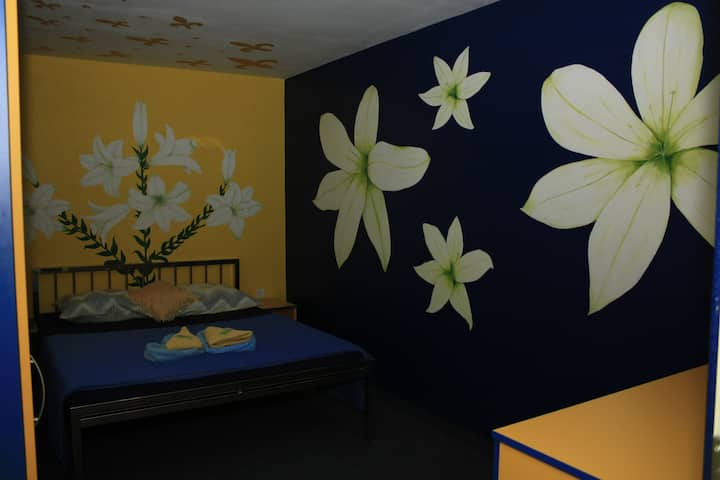 LILY ROOM
