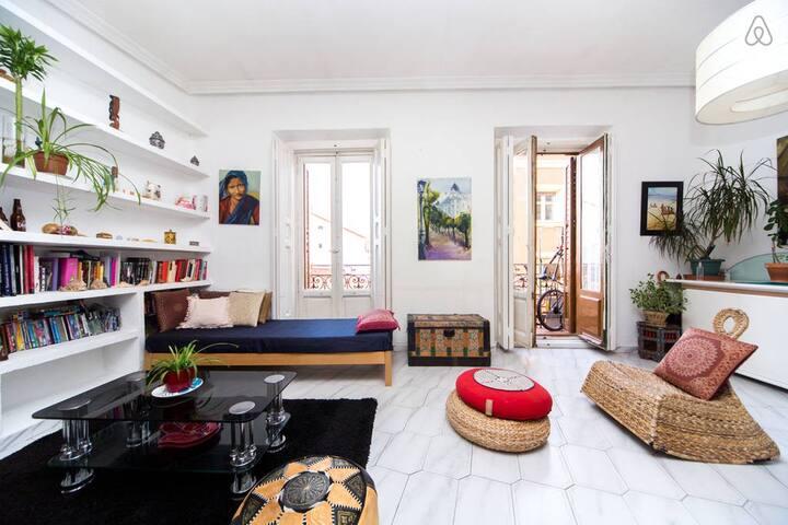 Centrica habitación en Madrid - Madrid