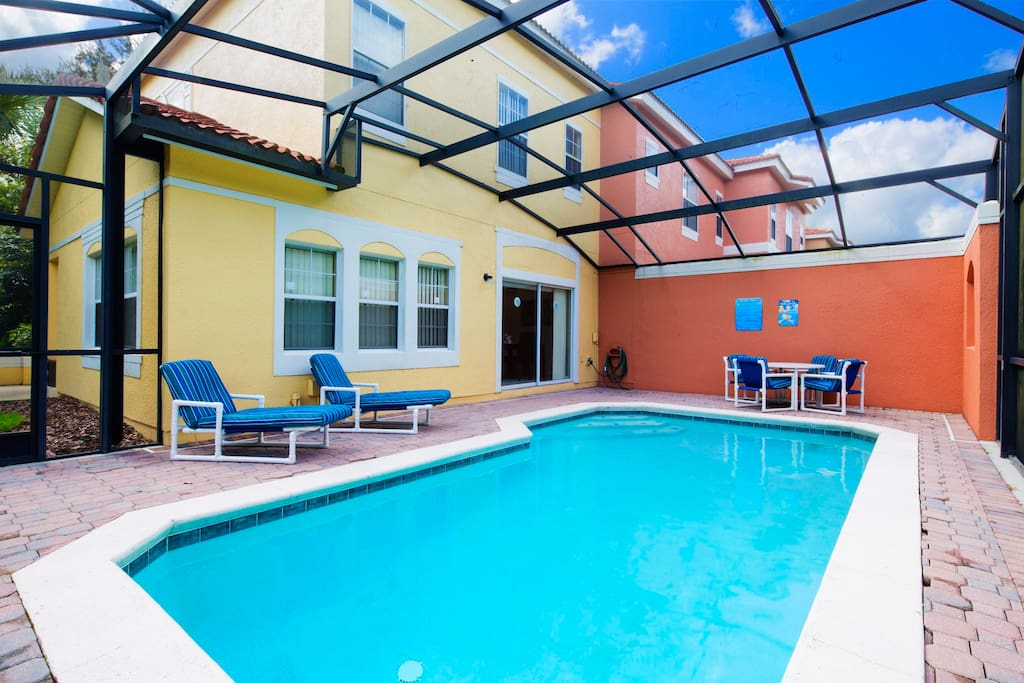 Take a dip in the sparkling water of this magical pool that sits under the Florida sun - or relax on the cushioned deck loungers and drift off to sleep. It's your very own little slice of heaven on earth.