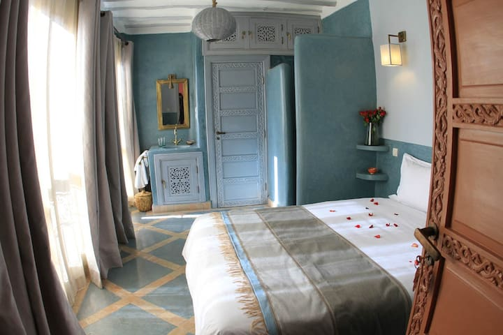 Aïcha twin or double room,  Riad Birdy with pool !