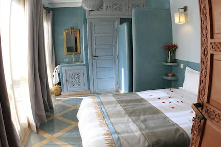 Chambre Aïcha, Riad Birdy - Marrakech - Bed & Breakfast
