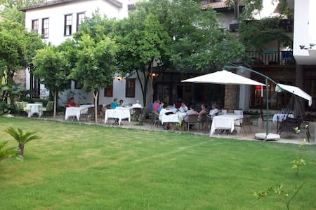 NİNOVA HOTEL - Bed & Breakfast