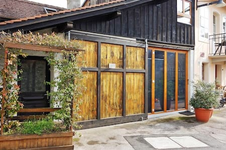 Petite maison de ville - Moudon - Hytte (i sveitsisk stil)