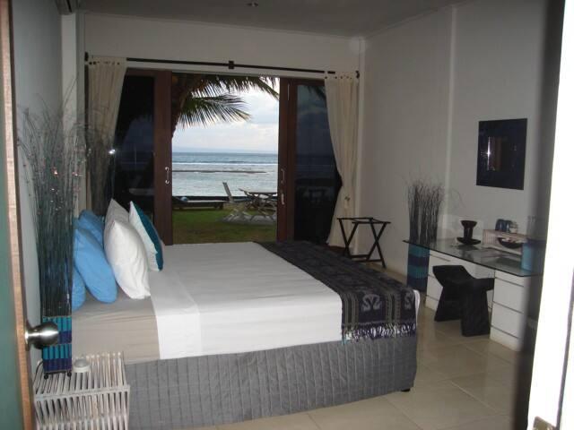Ocean Front AC Room @ Aquaria Eco Resort - Candidasa - Квартира