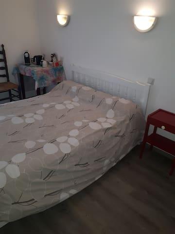 Chambre meublée neuve toute équipée