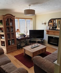 Entire holiday flat in Newington, Kent