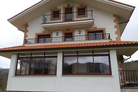 casa de 2 plantas - liendo