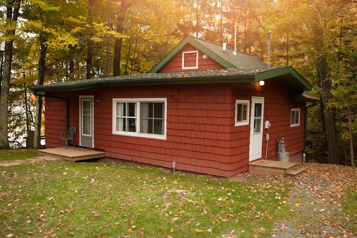 Mission Springs Resort-Lakeside Cottage