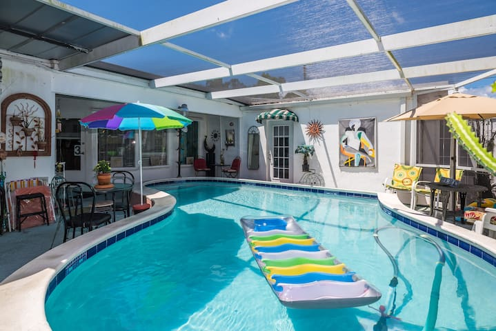 GREEN  OASIS - Hollywood - House