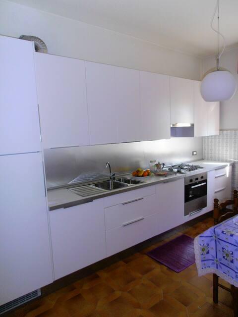 accogliente e luminoso appartamento
