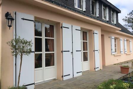Grande maison aux portes de Vannes - Saint-Nolff