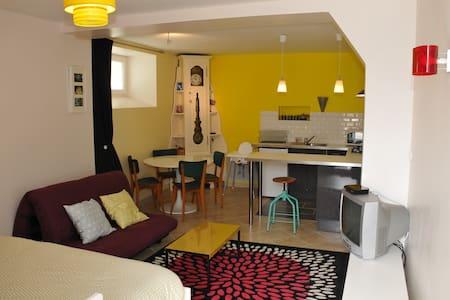 Petit studio meublé en bord de mer - Douarnenez