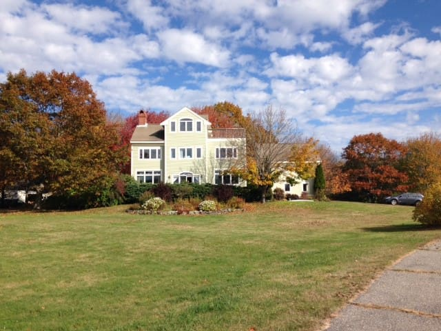 Seaside 5BR home - beaches, parks, lawns, privacy - Cape Elizabeth - House