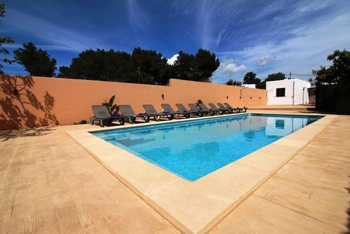 Villa Beso - Modern /Great Location - Sant Antoni de Portmany - House