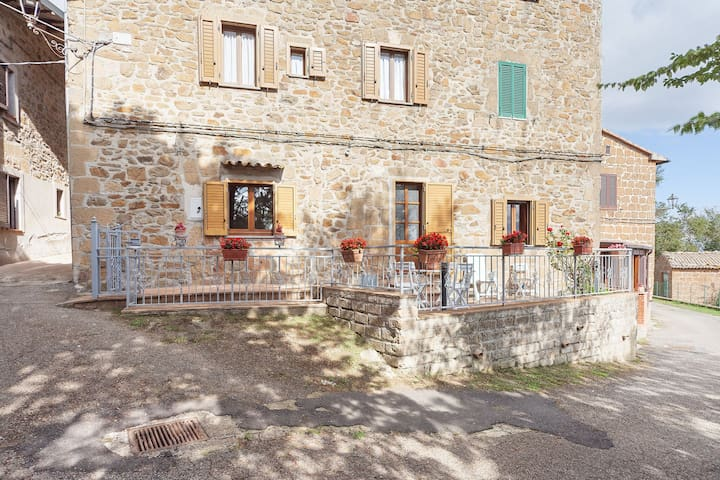 House in small village in the heart of the countryside, with panoramic terrace