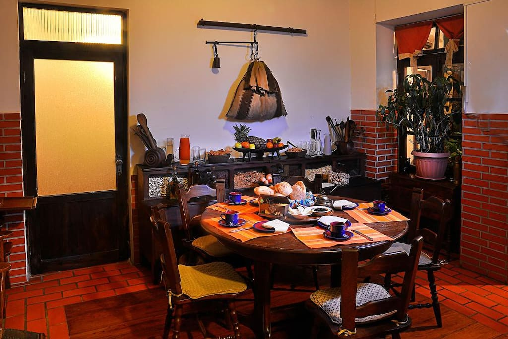 Comunual dinning room