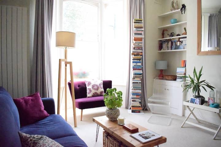 Spacious 1 Bedroom Victorian Garden Flat