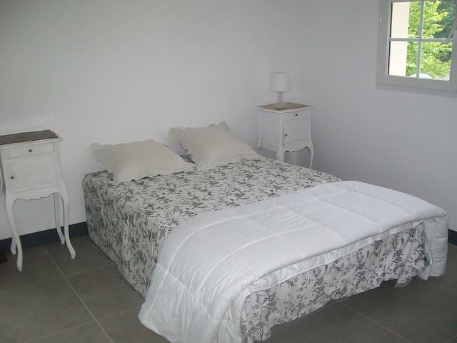 appart neuf dans maison ancienne - Saint-Barthelemy - Apartment