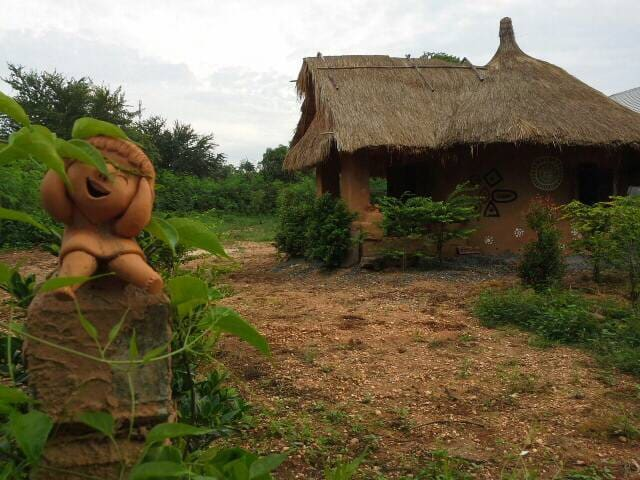 Earth house - Nong Bua Khok, Chaturat,  - Casa na Terra