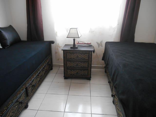 Chambre privée avec terrasse - Ghazoua - Apartment