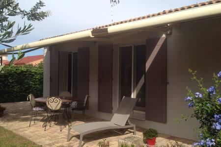 Villa tout confort en Provence - Pont de Crau Arles