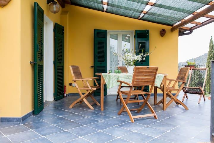 Close to 5 terre, terrace, garden