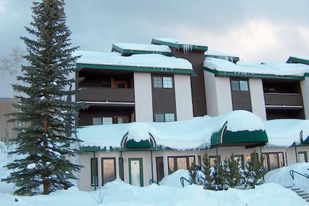 Powderhorn, CO Slopeside Condo - Apartment