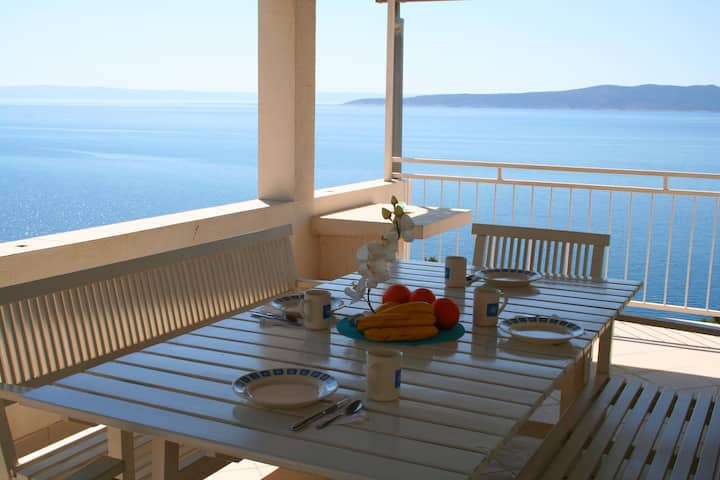 Stunning sea views from 2 terraces, 150m to beach