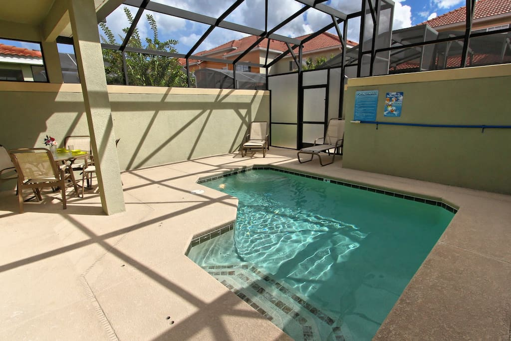 Make hundreds of happy memories with your family that you can cherish forever when you spend quality time with them in and around this fabulous, sparkling pool and sun-drenched deck.