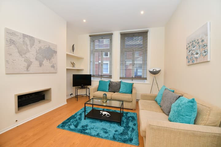 Luxury Bespoke Mayfair apartment by Oxford Circus