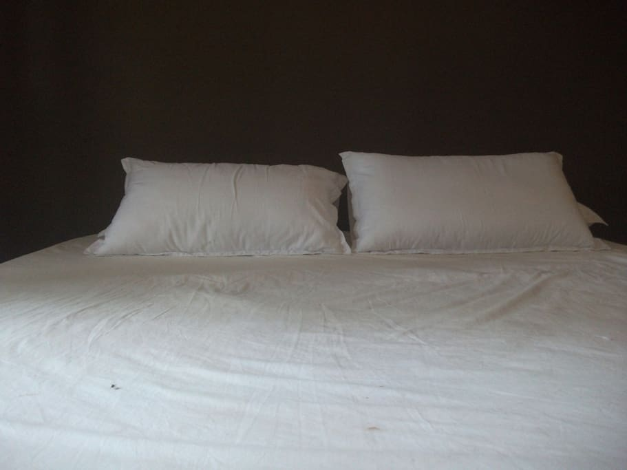 King Size Bed with A/C