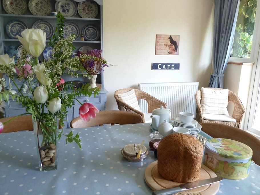 Afternoon tea for your arrival in the kitchen