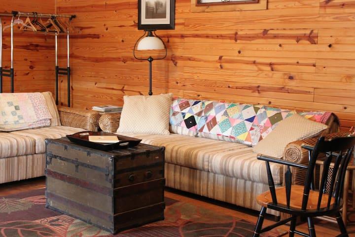 Pond Trail Farm Guest House Room 2