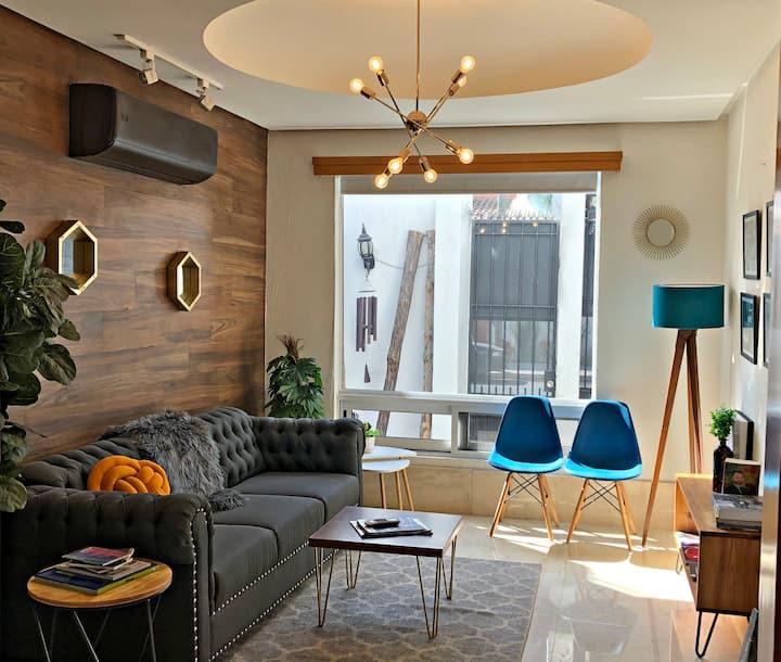 Preciosa casa estilo moderno, amplia y con terraza