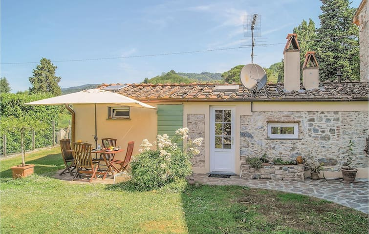 Semi-Detached with 2 bedrooms on 95 m² in San Pancrazio -LU-