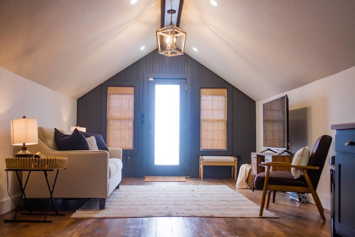 NEW! The Attic - Downtown Mountain Home