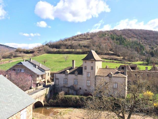 Maison Aveyronnaise en pierre - Saint-Beauzély - Hus
